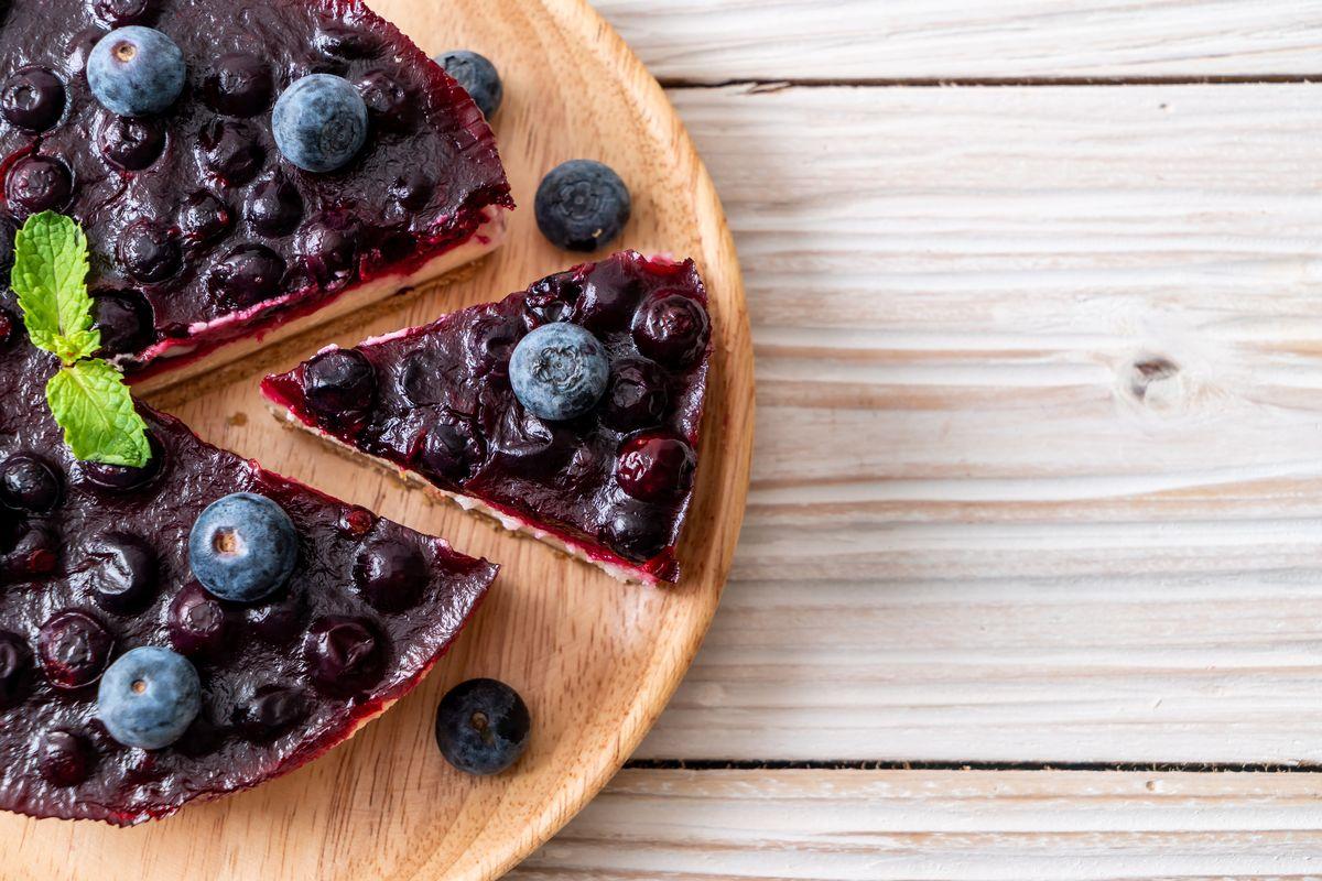 Torta vegana ai mirtilli