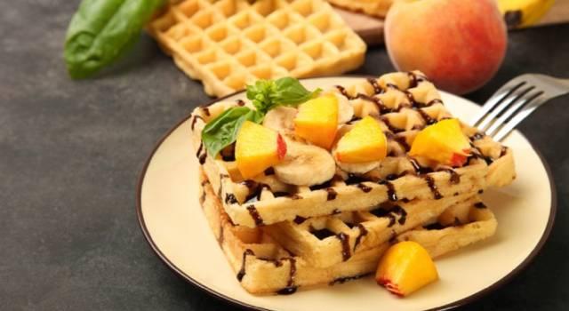 Waffle con frutta fresca e cioccolato: una vera bontà!