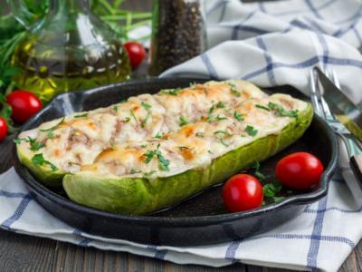 La ricetta delle zucchine ripiene di tonno al forno: saporite!