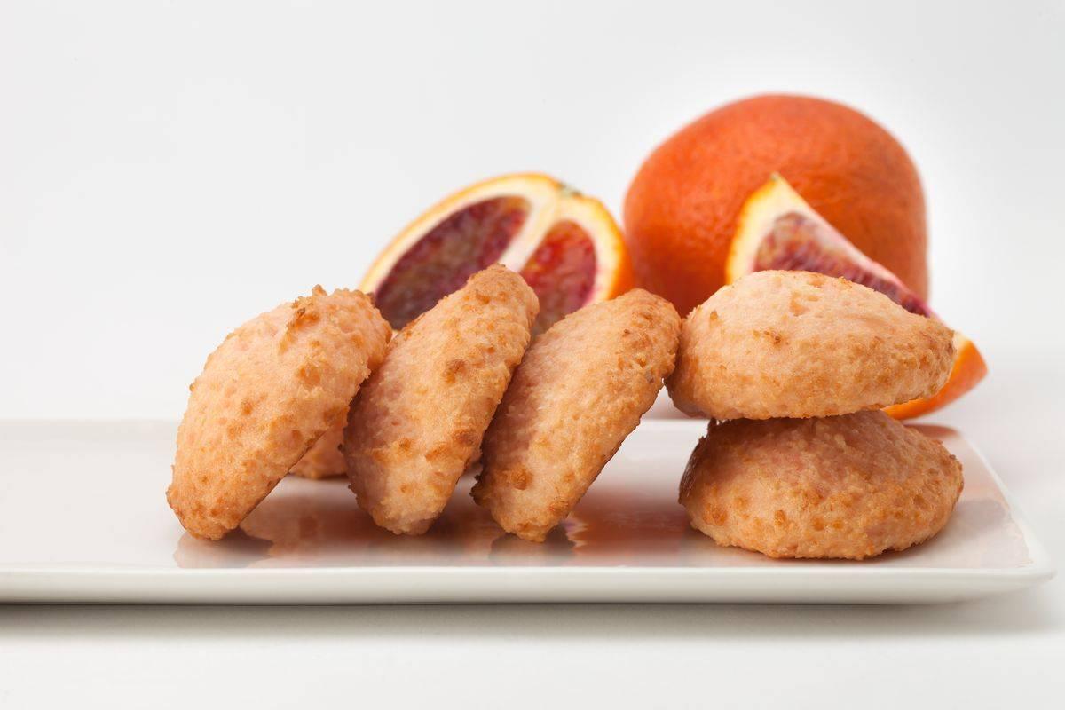 Biscotti con arancia candita
