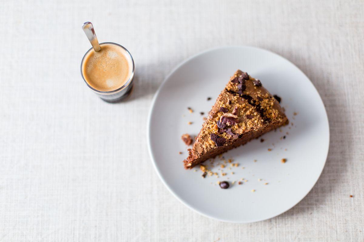 Torta con scaglie di mandorle al profumo di caffè: la ricetta!