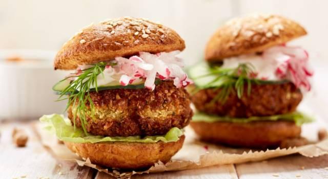 Strepitosi hamburger di fave vegani