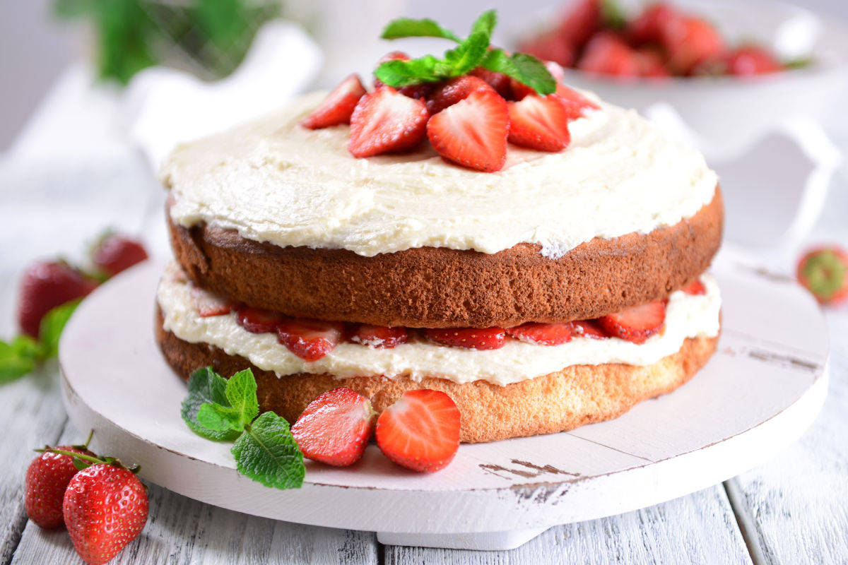 Nude cake alle fragole