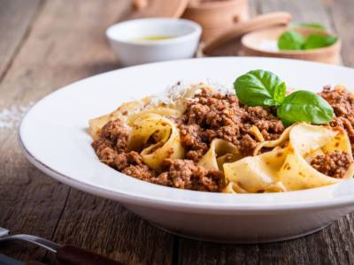 Ricetta della pasta al sugo di pollo: un piatto molto particolare!