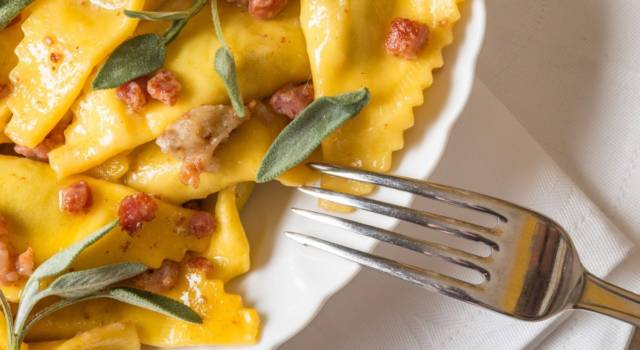Scopriamo un piatto tipico della Lombardia: i casoncelli  alla bergamasca