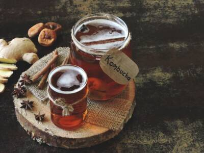 Cos'è il kombucha e quali sono i benefici del tè fermentato