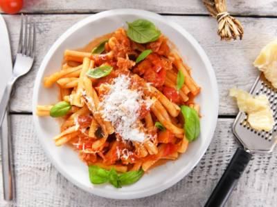 Pasta con crema di peperoni e gorgonzola: che ricetta!