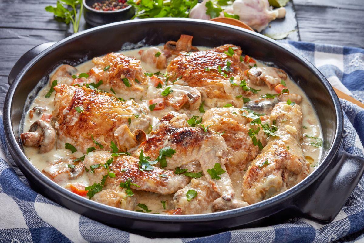 Pollo in fricasssea