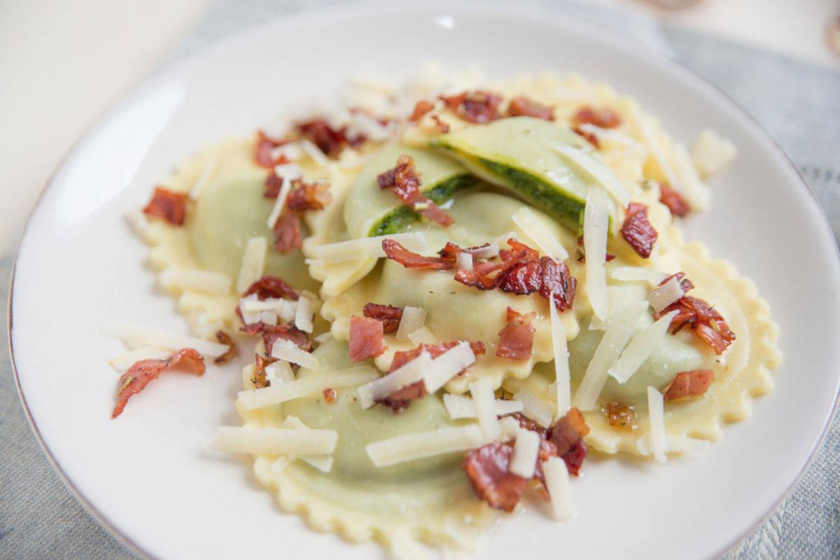 Ravioli con asparagi