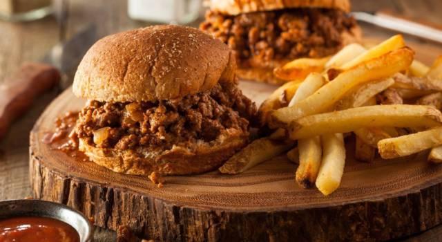 Prepariamo lo Sloppy Joe, un hamburger diverso dal solito