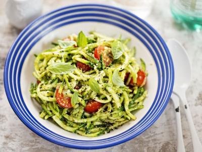 Sì, gli spaghetti di zucchine esistono e sono semplicemente deliziosi!