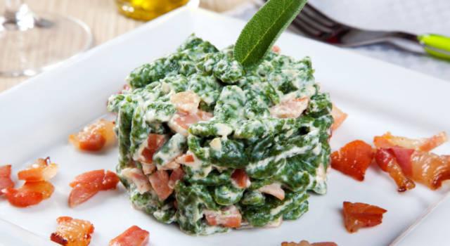 Irresistibili spatzle agli spinaci con pancetta croccante