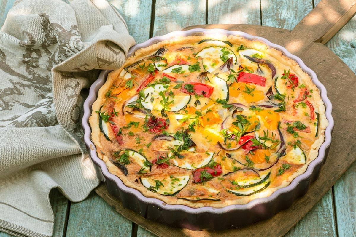 Torta salata zucchine e peperoni