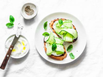 Deliziosi ed estivi: scopri la ricetta dei tramezzini con il cetriolo