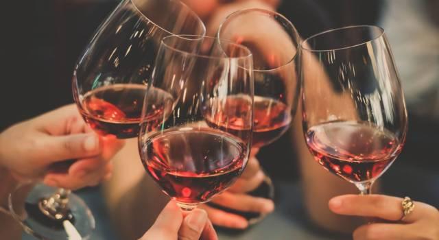 Aperitivo e apericena: qual è il vino giusto?