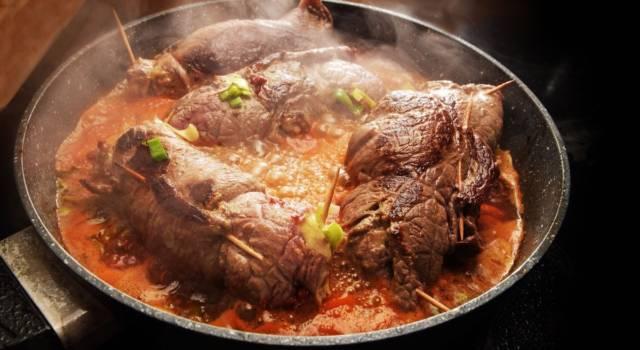 Braciola napoletana al sugo, il piatto tipico partenopeo