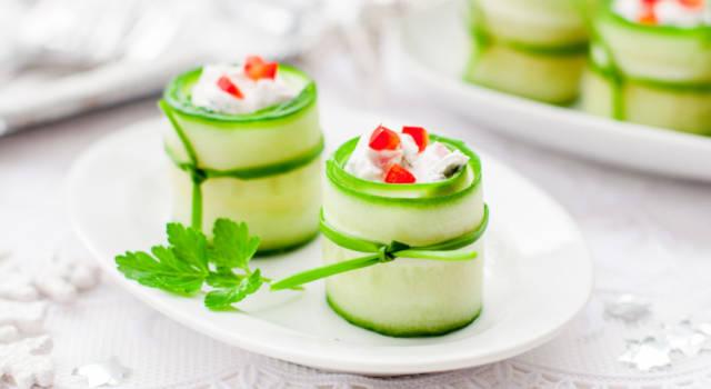 Buoni, freschi e coloratissimi: ricetta degli involtini di cetrioli