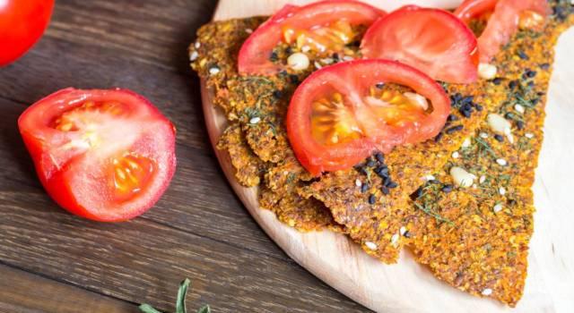 Croccante e saporita schiacciata al pomodoro: scopri subito come si prepara!