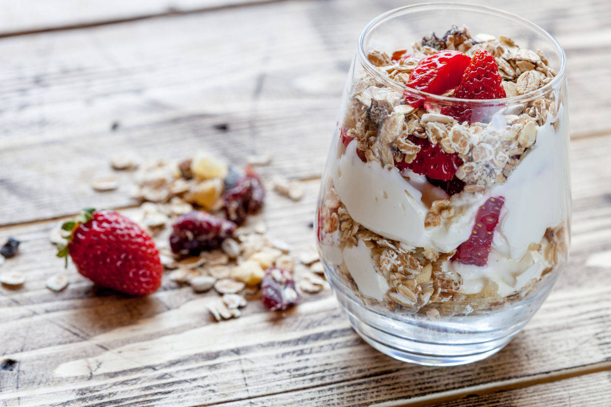 Coppette di yogurt e fragole