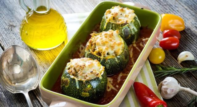 Zucchine tonde ripiene di riso e verdure