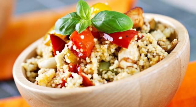 Cous cous freddo con pollo e verdure: un piatto unico invitante e genuino!