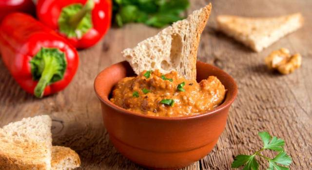 Hummus di pomodori secchi: una salsa perfetta per l'aperitivo!
