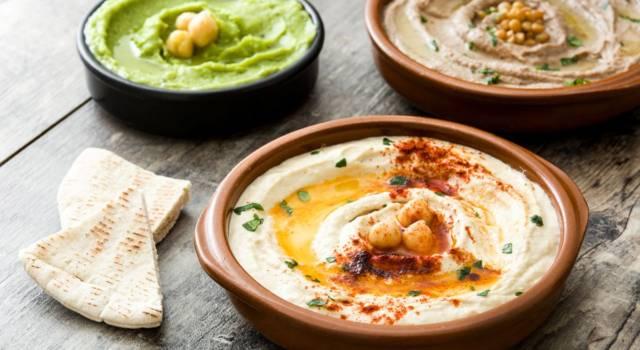 Hummus: come si prepara? La ricetta classica e la variante estiva