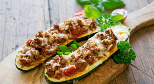 Barchette di zucchine ripiene di salsiccia: non potrete più farne a meno!