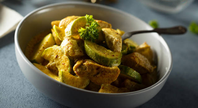 Saporite zucchine al curry: un contorno facilissimo!