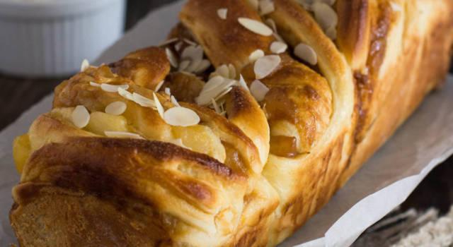Pan brioche alle mele per una colazione soffice