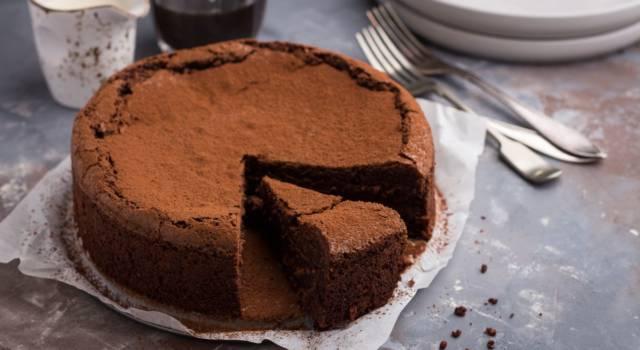 Torta al cioccolato morbida: la ricetta infallibile del dolce più buono che c'è!