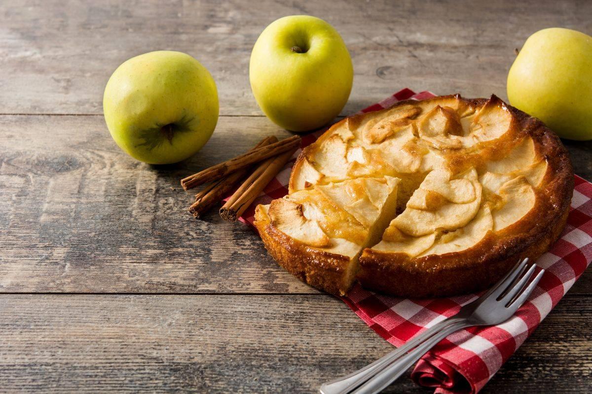 Torta di mele cremosa