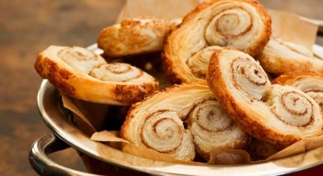 Sfiziosi e croccanti: sono i ventagli di pasta sfoglia (o prussiane)