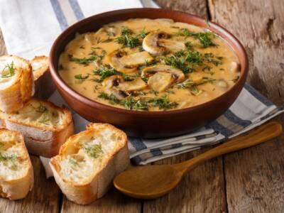 Zuppa di funghi vegana: un piatto autunnale veloce e delicato