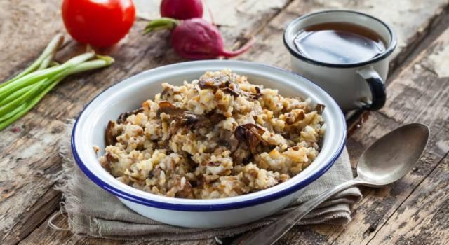 Cosa cuciniamo oggi? Facciamo il grano saraceno risottato con pere e taleggio