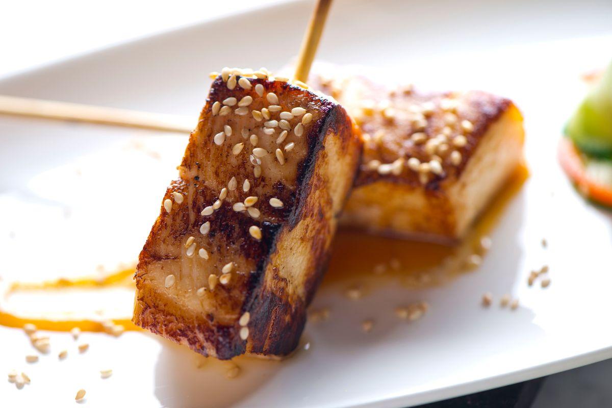 tofu alla piastra con sesamo