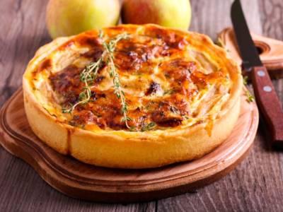 Torta di mele salata: perfetta per un antipasto diverso dal solito!