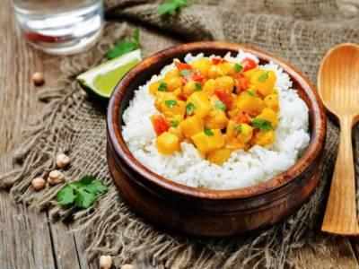 Curry vegano di zucca e ceci con riso basmati: l'avete mai provato?
