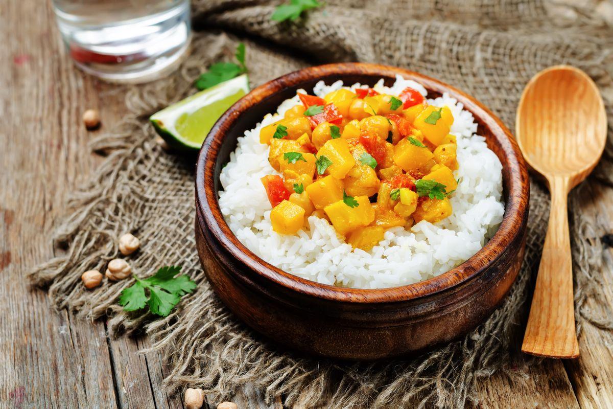 Curry vegano di zucca e ceci