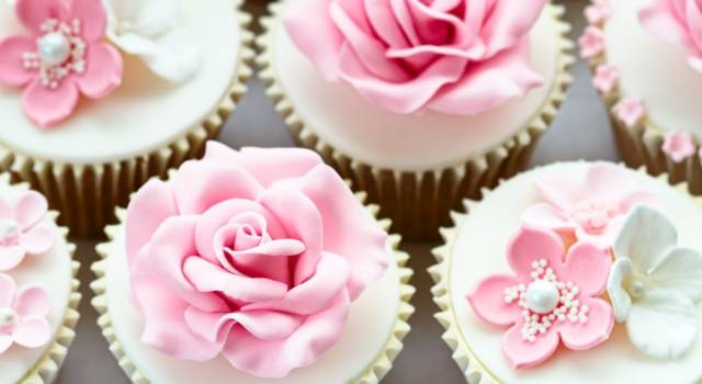 Come fare la pasta di zucchero per decorare dolci e torte