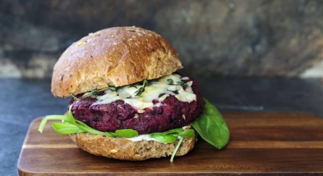 Hamburger vegani di barbabietola: come si preparano?