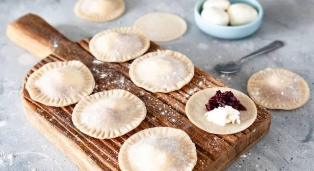 Ravioli di miglio ripieni di barbabietola: un delizioso piatto senza glutine