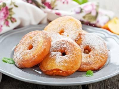 Prepariamo insieme le frittelle di mele senza glutine!