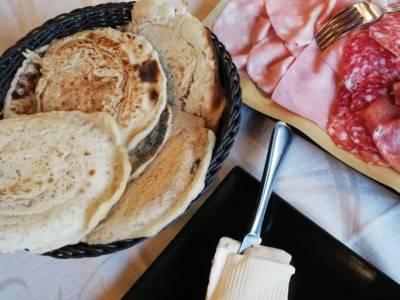 Panigacci: il pane rotondo tipico della Lunigiana