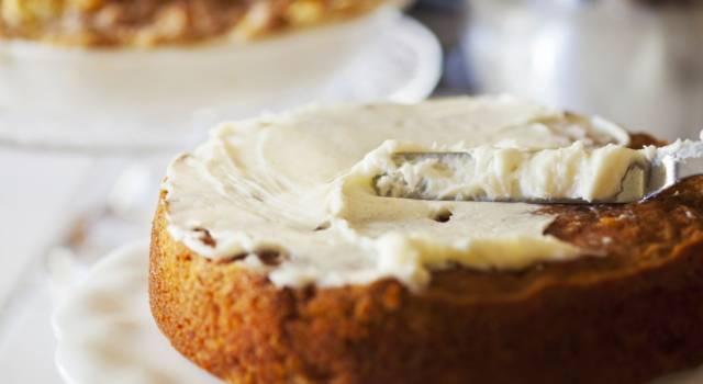 La ricetta della torta di carote (o torta Camilla) soffice e golosa