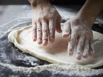 Come formare i panetti della pizza: staglio, puntata e appretto
