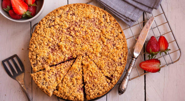 Torta sbriciolata alle fragole: un classico rivisitato!