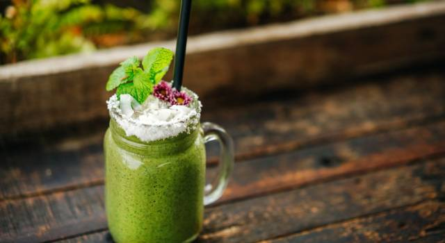 Frullato proteico con oringa, avocado e spinaci