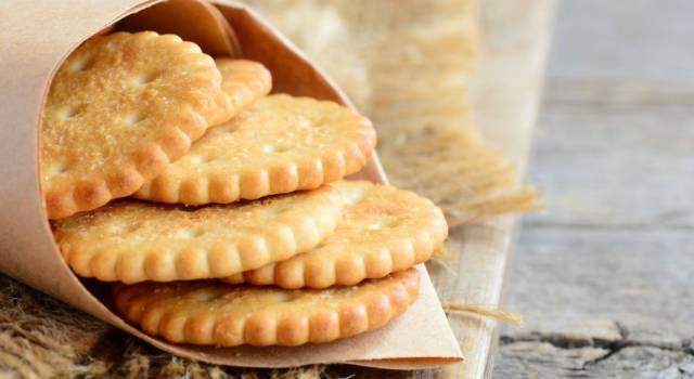 Cracker fatti in casa: la ricetta dal risultato garantito