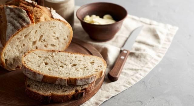 Come si fa il pane fatto in casa? Ricetta, consigli e varianti per tutti i gusti
